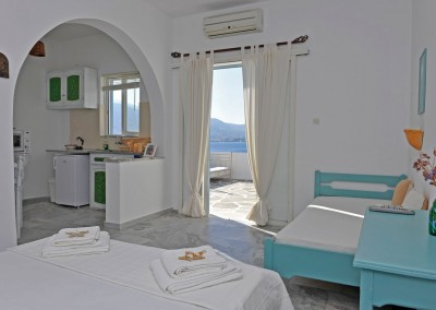 Kitchen and sleeping area studio panoramic sea view