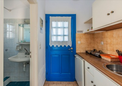 Fully equipped kitchenette and private bathroom