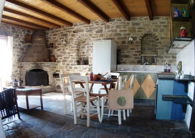 Living and fully quipped separate kitchen cottage house Paros